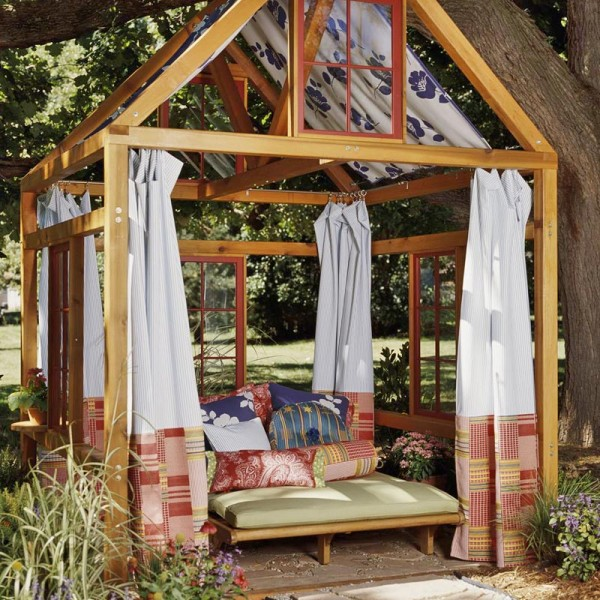 a cozy outdoor room via smallgardenlovecom - The Outdoor Room