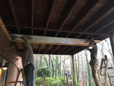 Installing thje corrugated soffit